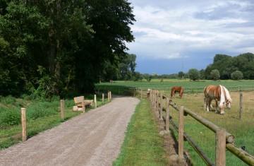 Grotendonk hat einen Radweg als Teil einer touristischen Rad- und Wanderverbindung zwischen Weeze und Kervenheim gebaut.